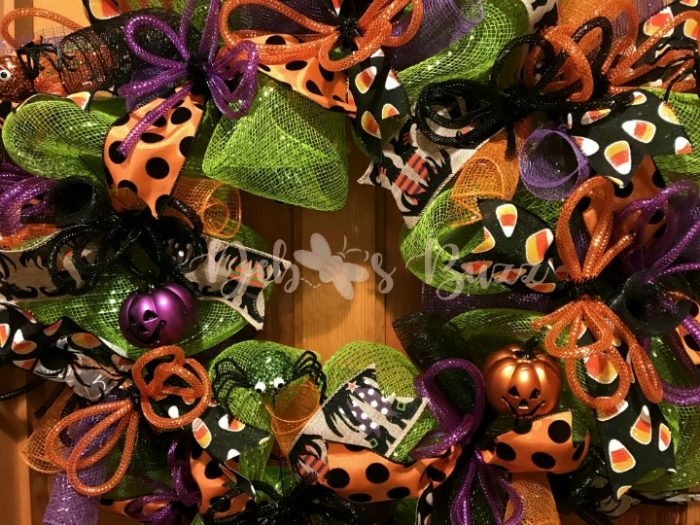 Halloween-wreath-trick-or-treat-feature