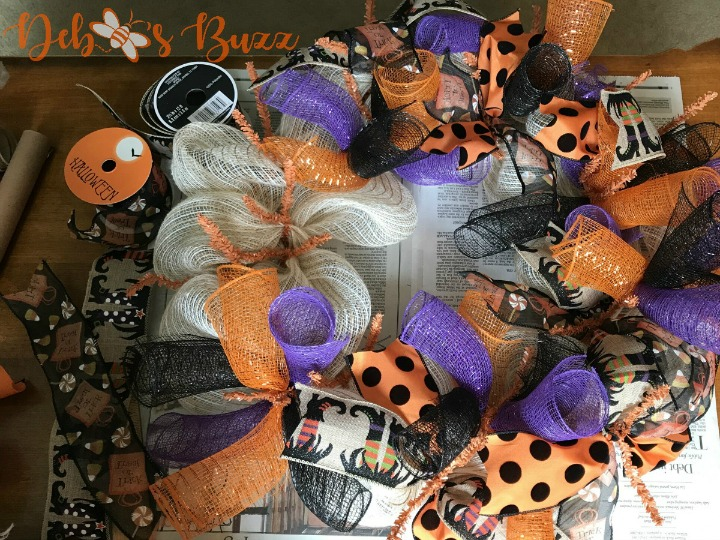 Halloween-wreath-ribbon