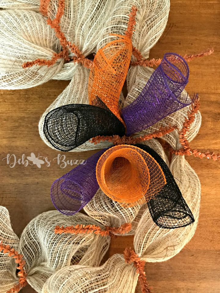 Halloween-wreath-rolled-mesh