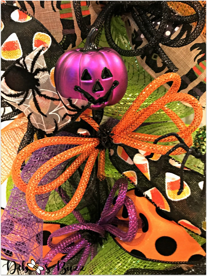 halloween-wreath-trick-or-treat-purple-pumpkin