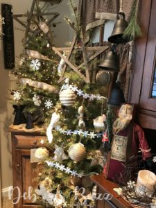 primitive-tabletop-Christmas-tree