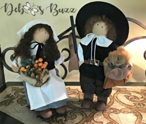 Thanksgiving figures Lizzie pilgrims