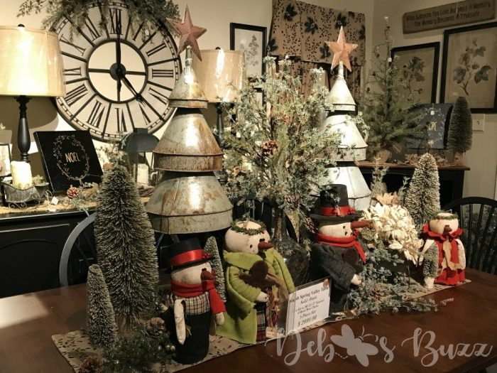 tin-farmhouse-Christmas-trees