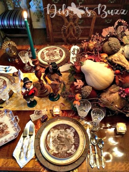 Thanksgiving table overhead