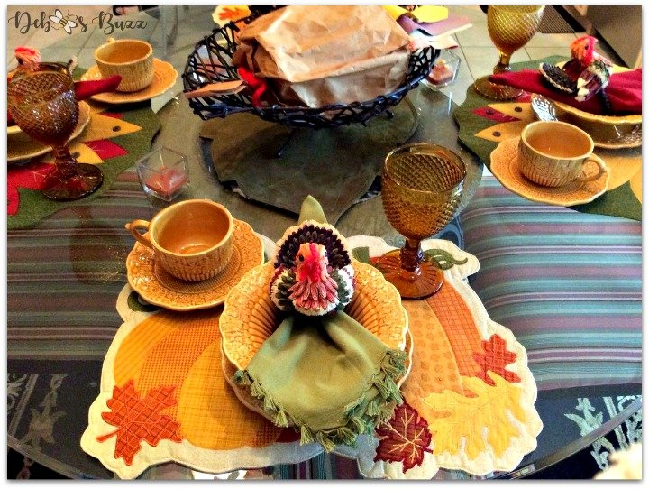 casual-Thanksgiving-tableware-harvest-gold-tablescape