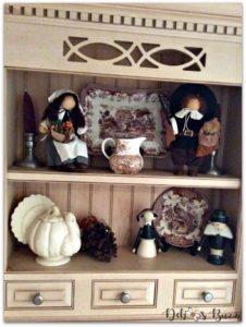 casual-Thanksgiving-tableware-kitchen-open-shelves-pilgrims