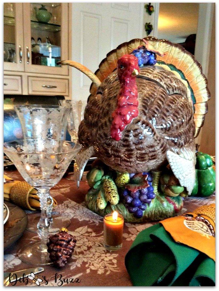 turkey-tureen-centerpiece-tablescape