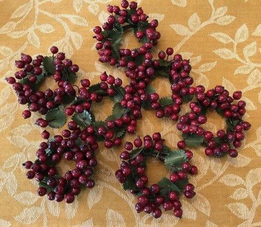 Cranberry candle rings