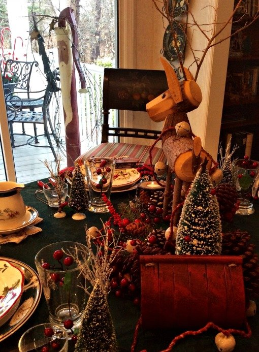 Into the Woods Christmas woodland tablescape