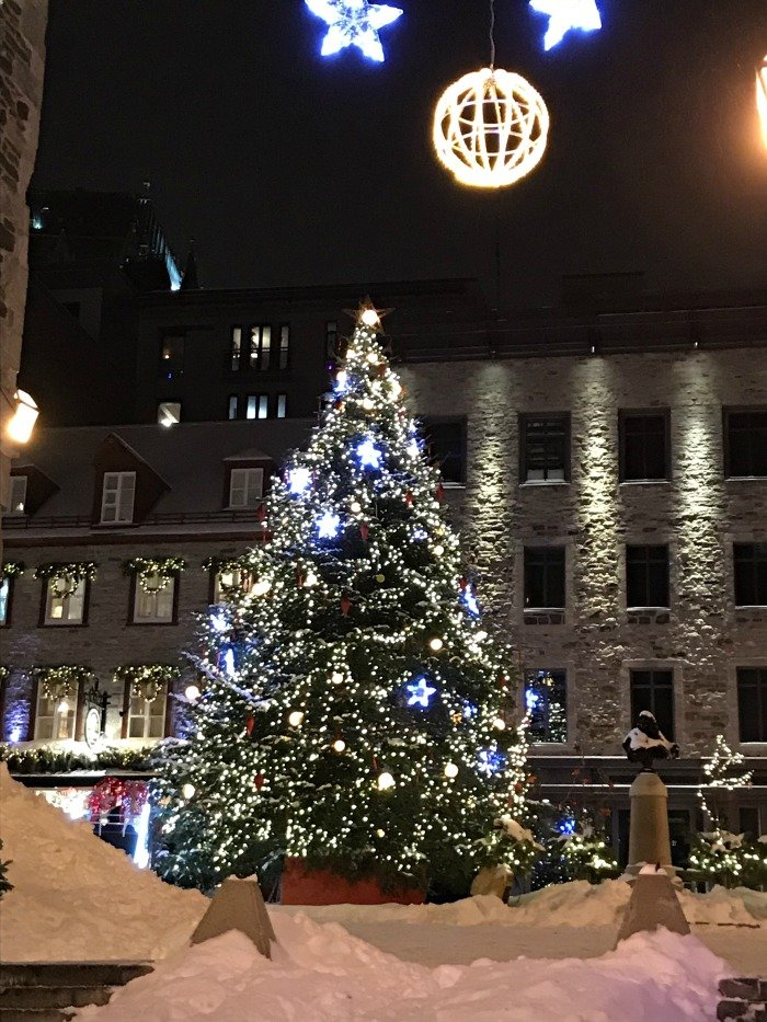 Place Royale Christmas tree
