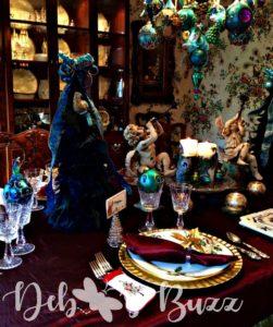 peacock-christmas-tablescape