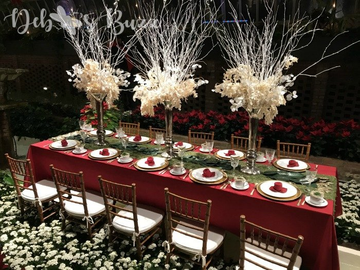 Phipps-winter-Christmas-tablescape