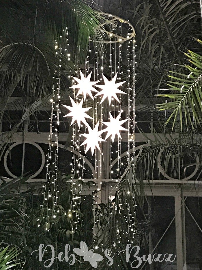Phipps-winter-star-chandelier