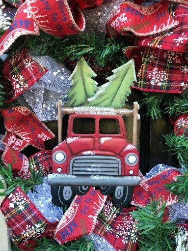 Christmas-tree-DIY-wreath-truck