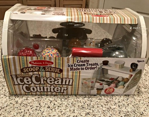 toy-gift-giving-wooden-ice-cream-counter