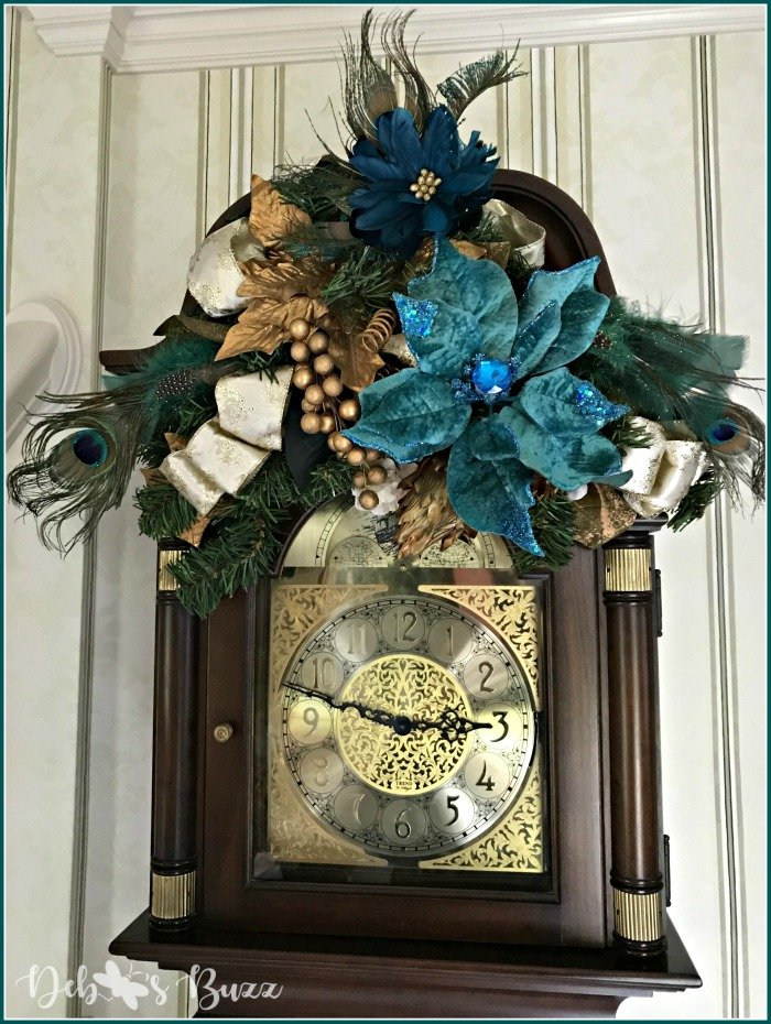 peacock-christmas-decoration-grandfather-clock-swag