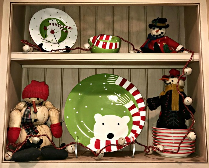Polar-bear-picnic-shelf2