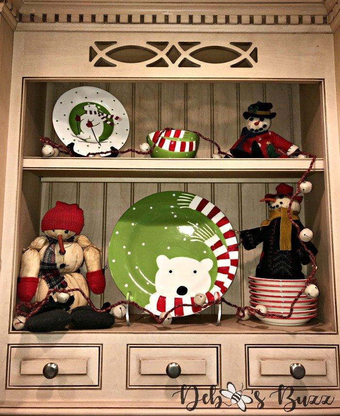 Polar-bear-picnic-shelf