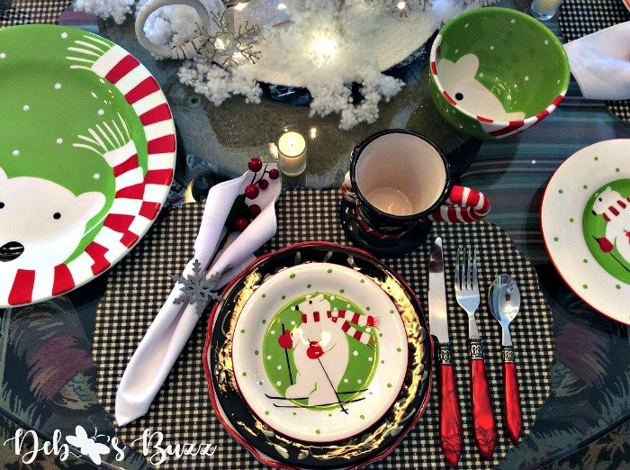 Polar-bear-picnic-tablesetting