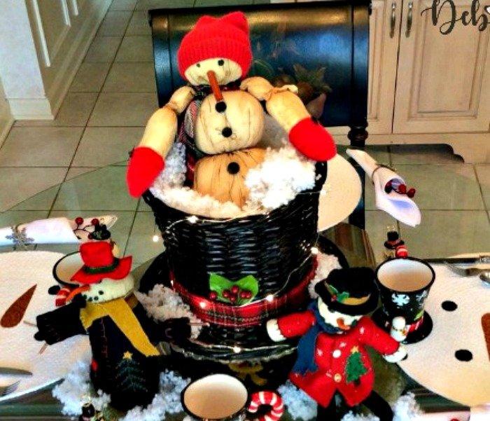 winter-snowman-centerpiece-Frosty-top-hat-feature