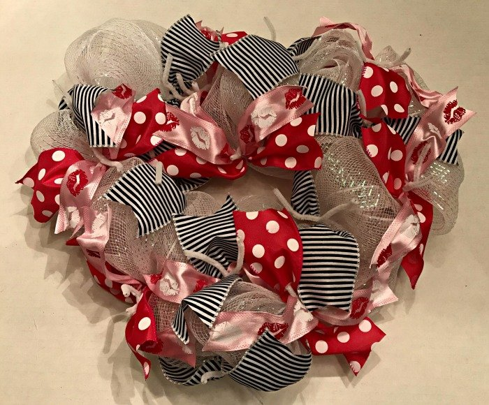 sweetheart-wreath-ribbons