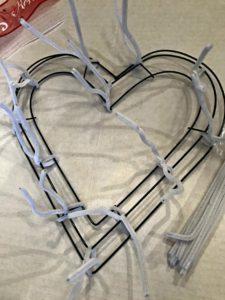 sweetheart-wreath-wire-frame
