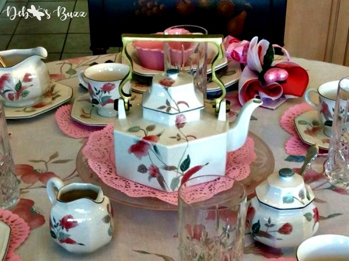 valentines-day-tea-teapot-closeup