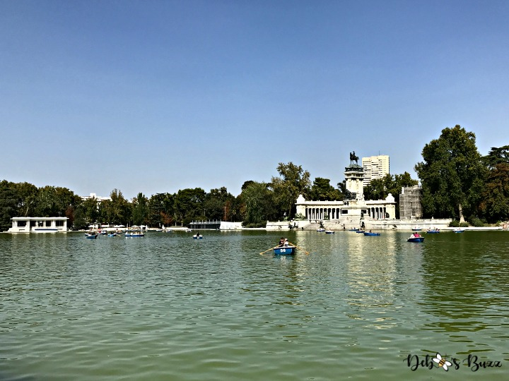Spain-Madrid-Retiro-park-lake