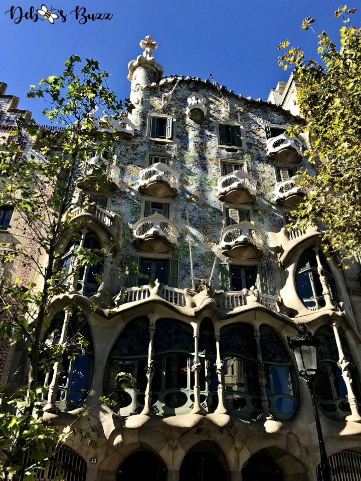 spain-barcelona-gaudi-casa-batllo