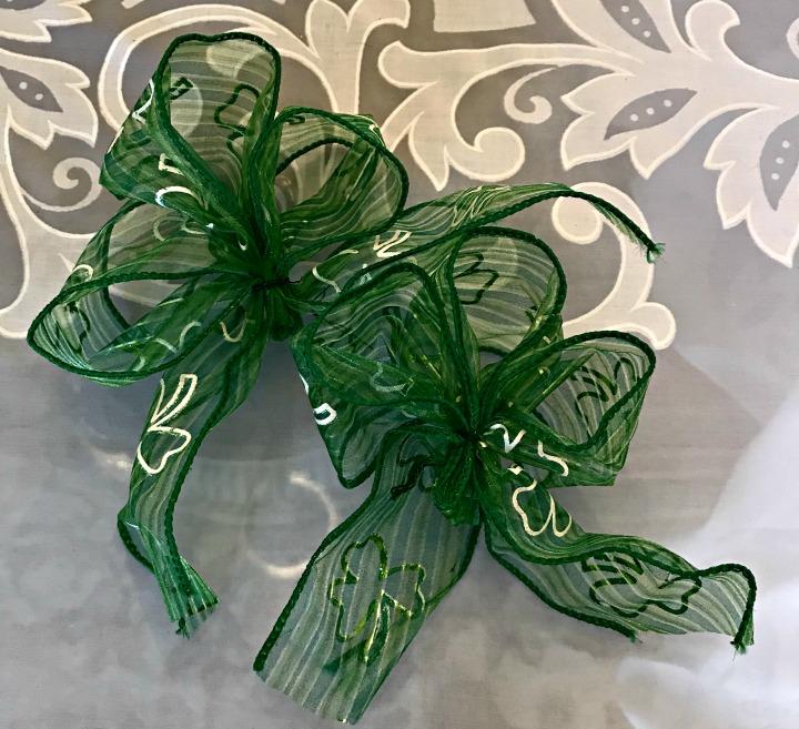 leprechaun-centerpiece-bows