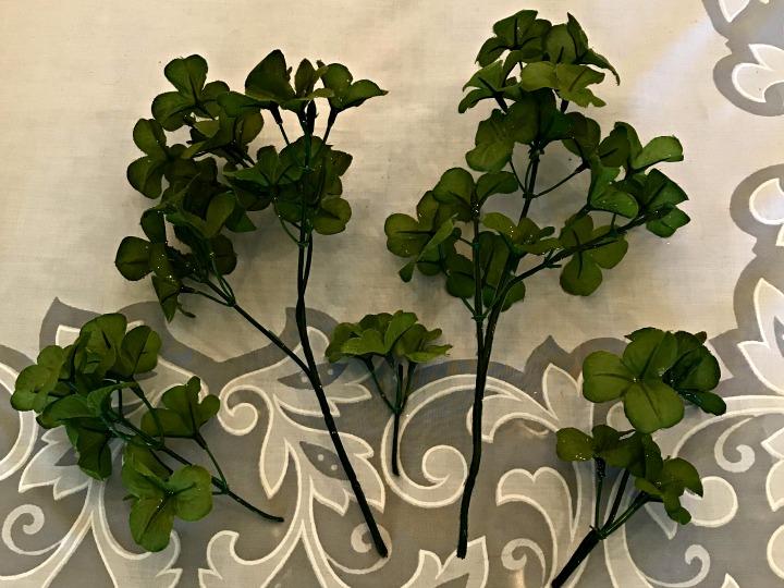leprechaun-centerpiece-clover