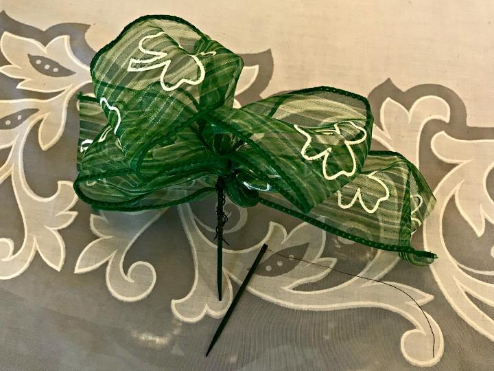 leprechaun-centerpiece-floral-stake