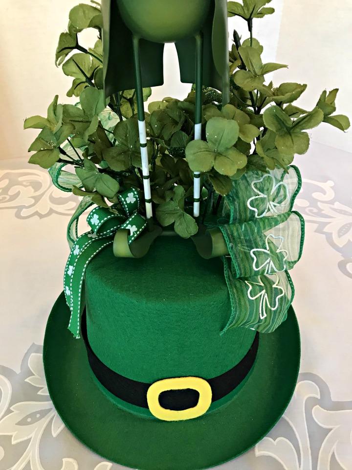 leprechaun-centerpiece-ribbons