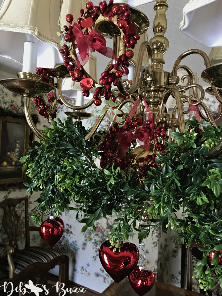 red-heart-ornaments-chandelier-decorate