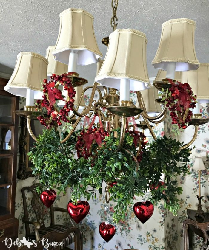 red-heart-ornaments-chandelier-decorate-Valentines-Day-ideas