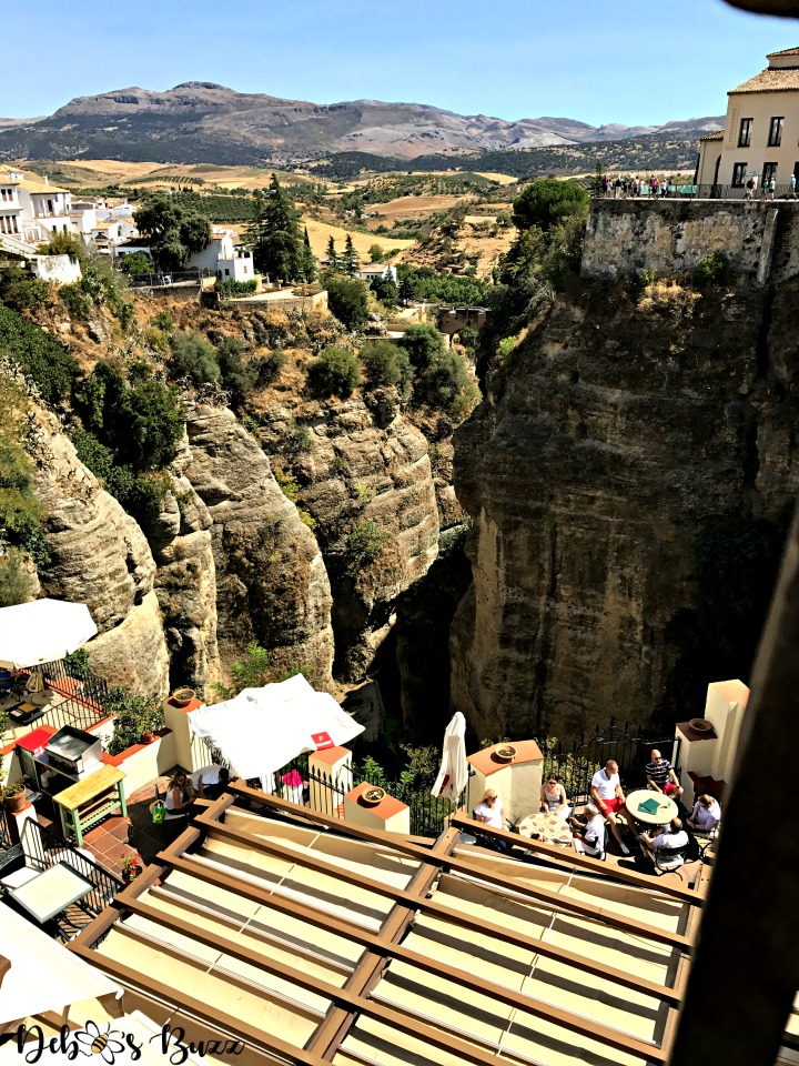 ronda-gorge-cliff-hugging-cafes