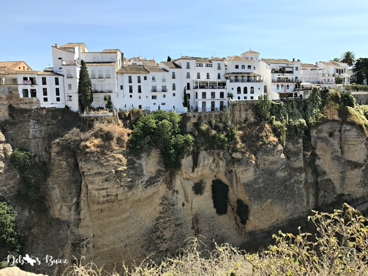 ronda-gorge-white-houses