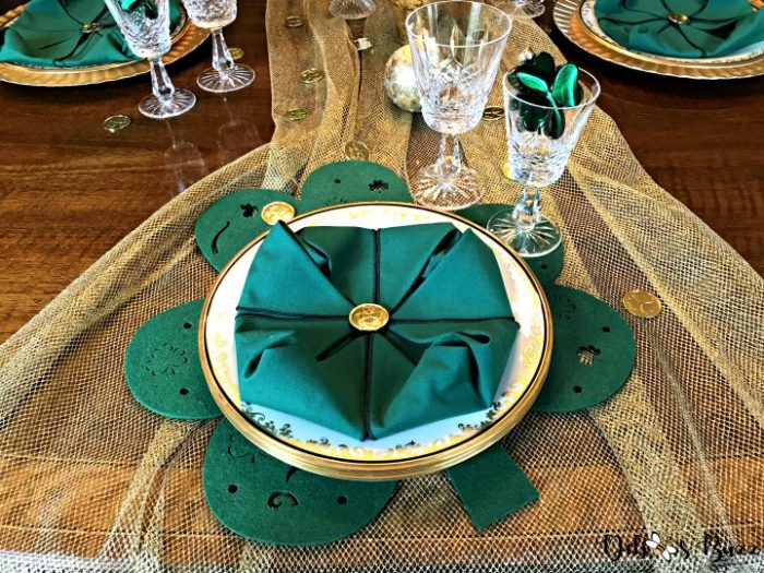 shamrock-tablescape-hostess-setting