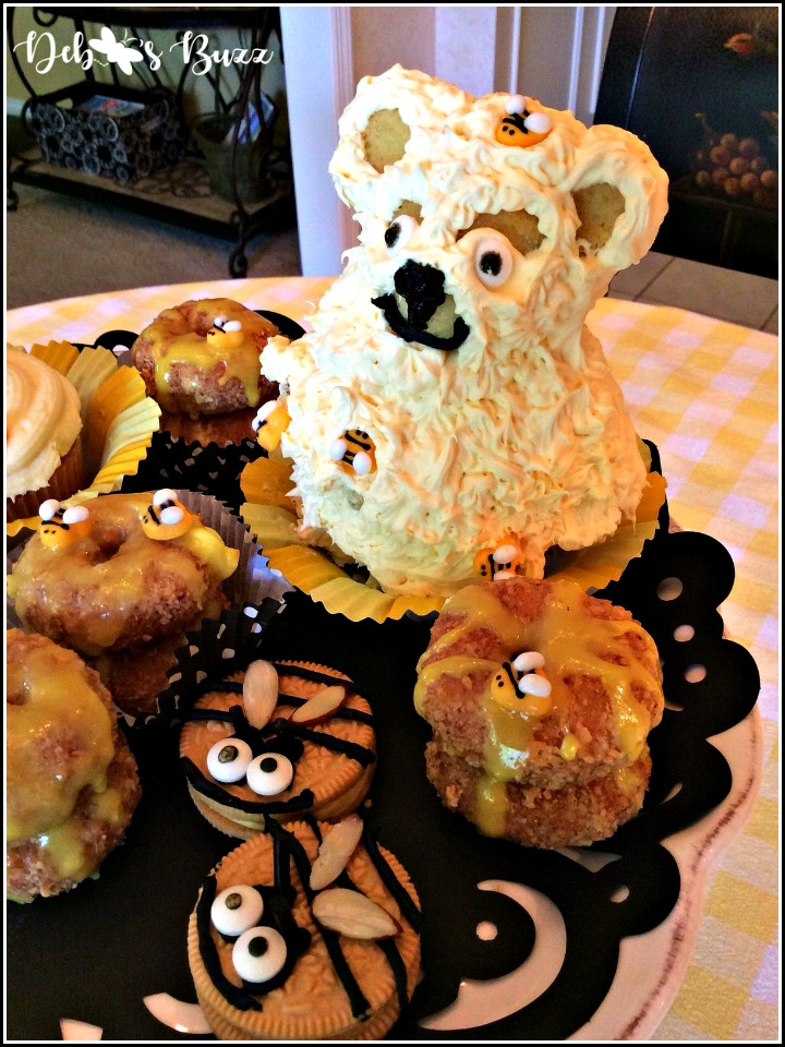 favorite-things-party-bee-theme-party-food-bear-cake-tablescape