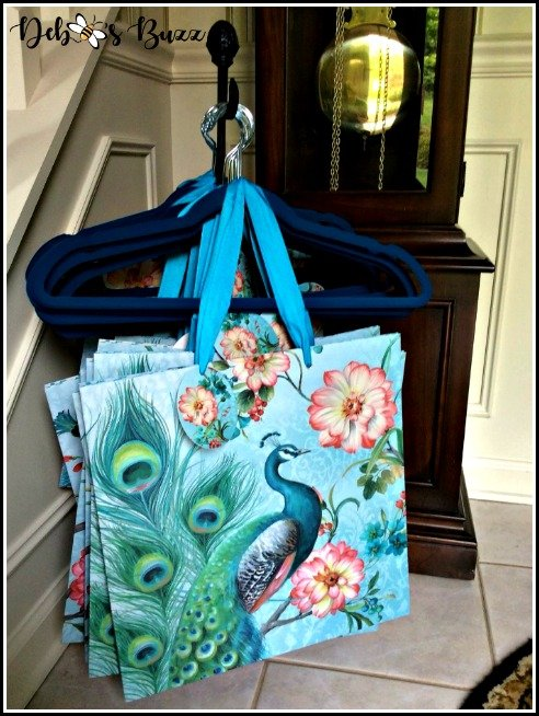 favorite-things-party-peacock-theme-shopping-bags