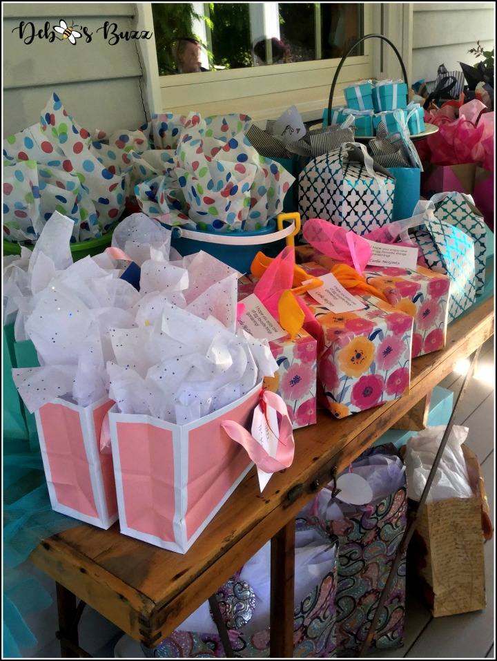 favorite-things-party-tiffany-party-gift-table