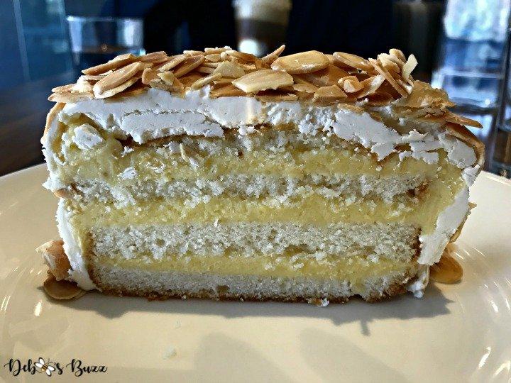 phipps-spring-flower-show-almond-cake