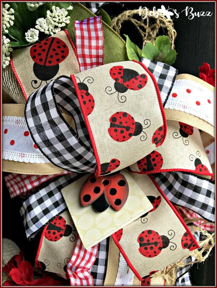 ladybug-wreath-gingham-bow-closeup