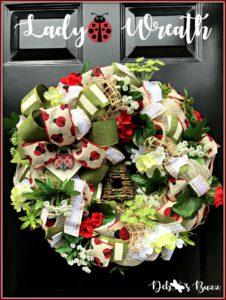 ladybug-wreath-graphic-ladybug