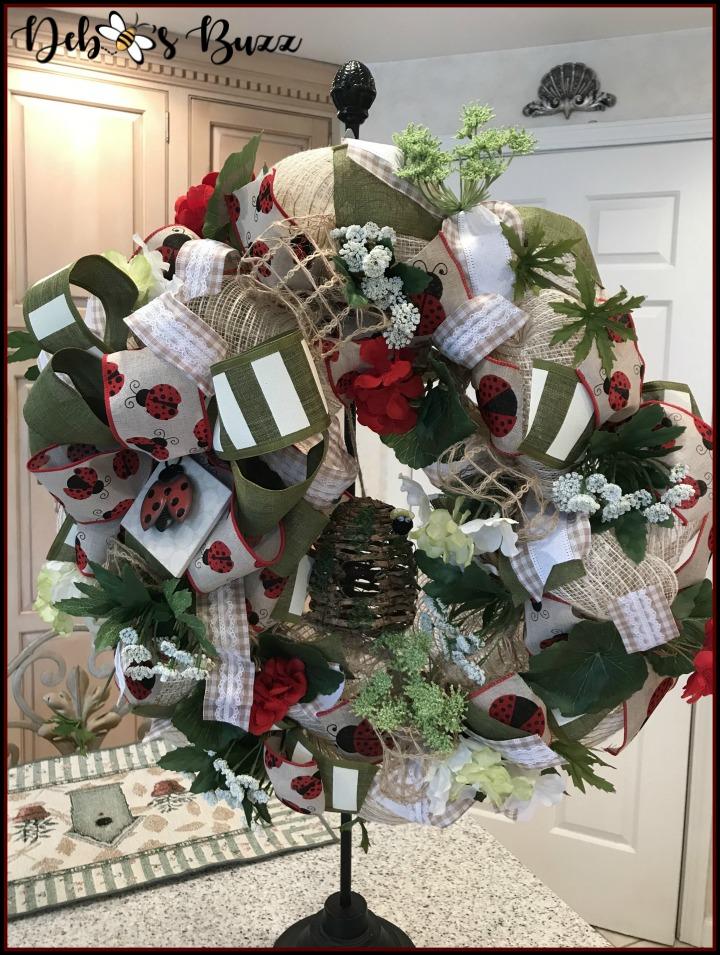 ladybug-wreath-stand-final