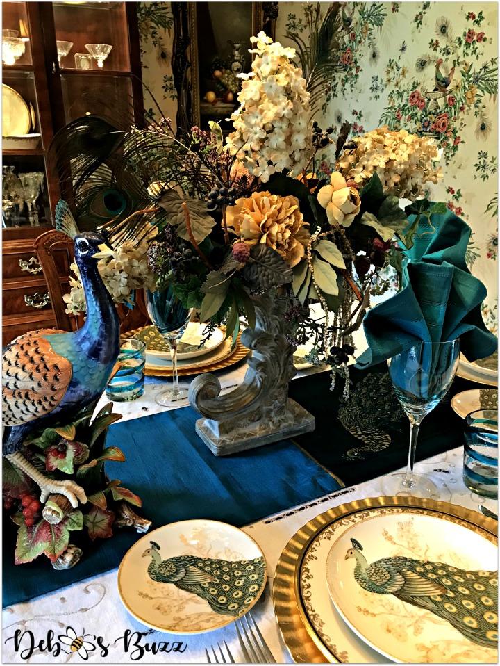 peacock-tablescape-floral-centerpiece