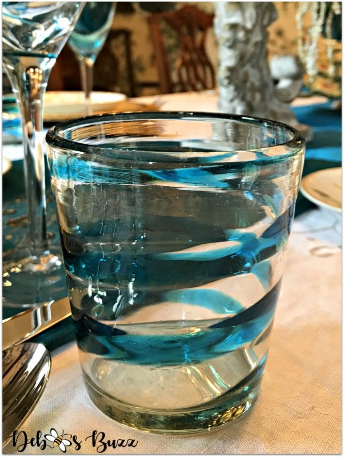 peacock-tablescape-glass