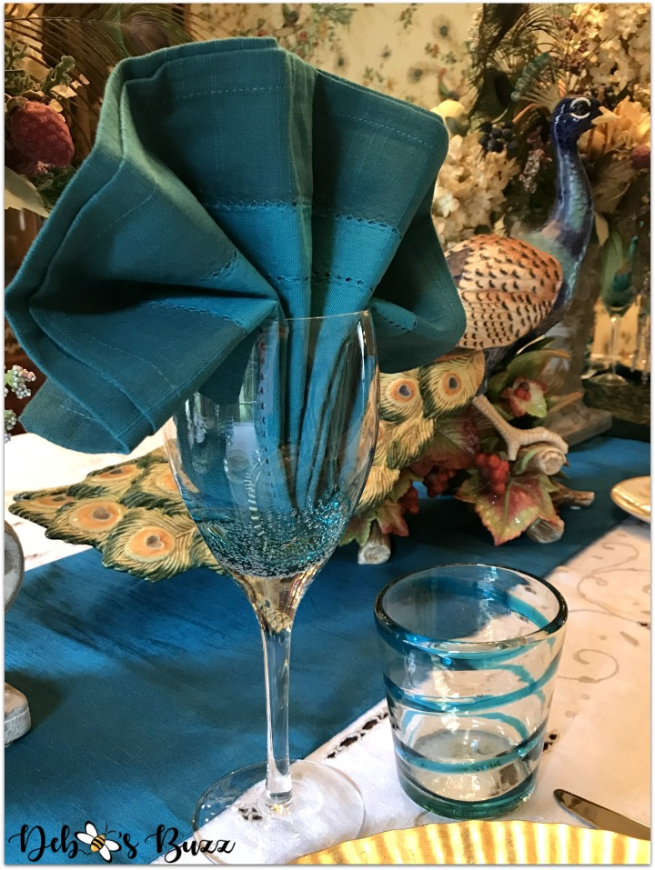 peacock-tablescape-napkin