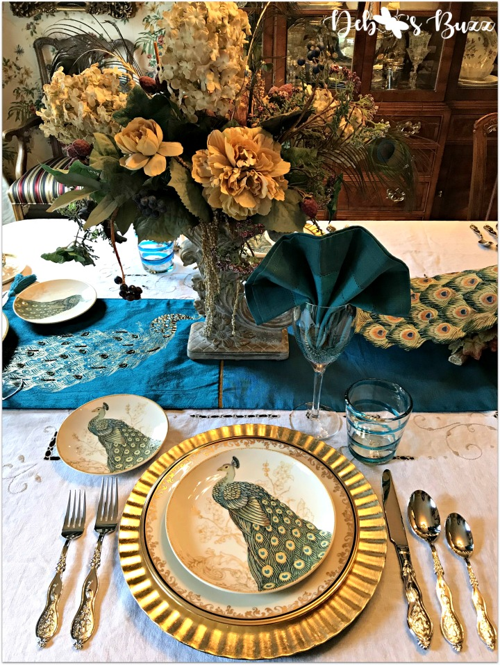 peacock-tablescape-place-setting-floral