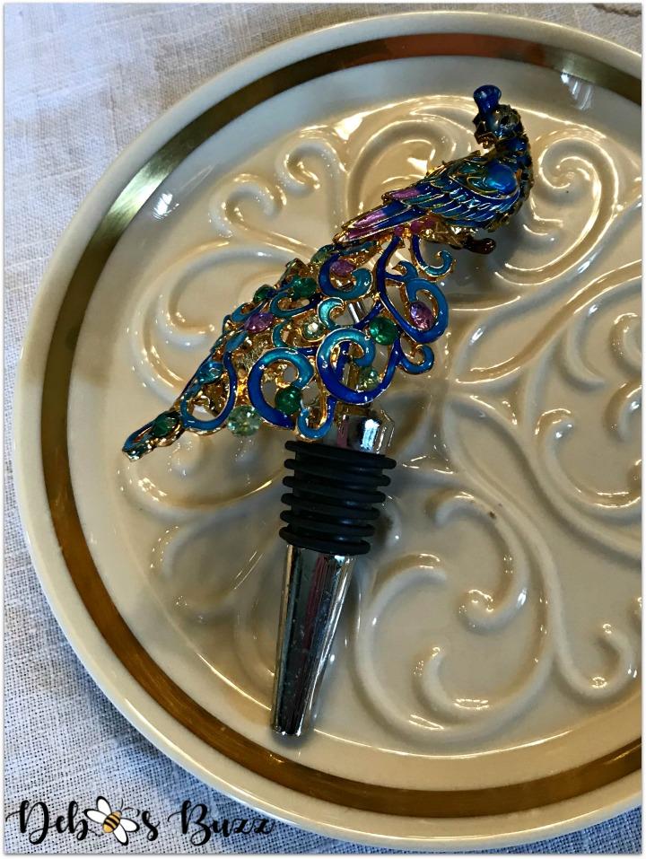 peacock-tablescape-wine-cork